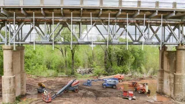 More Cracks Found In Lexington Bridge Adds More Setbacks