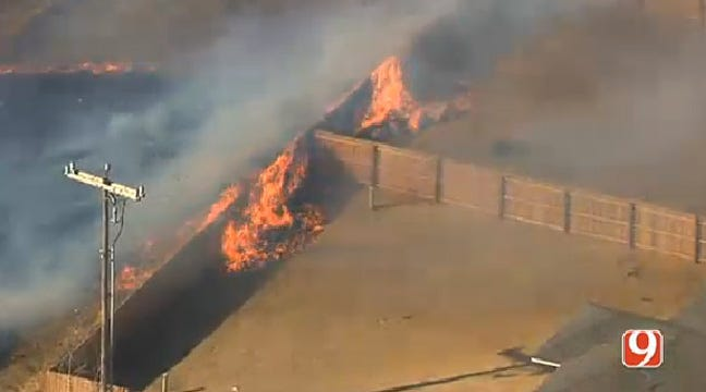 Firefighters Knock Down Grass Fire Threatening Homes In NW OKC