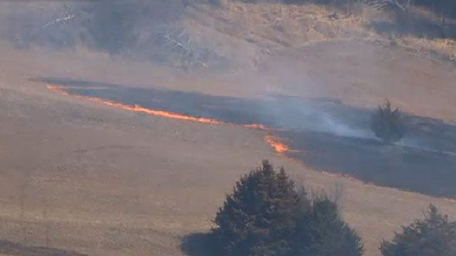 Crews Battle Grass Fire Near Chandler