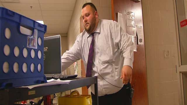 Overcrowding In Okla. School Forces Teachers To Carry Classrooms On Carts