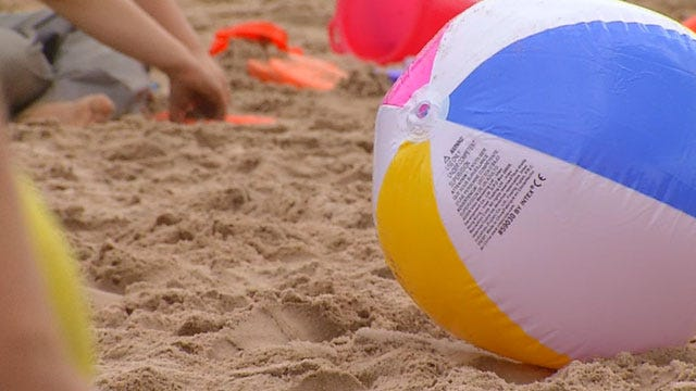 OKC Students Celebrate Reading Improvements With Beach Bash