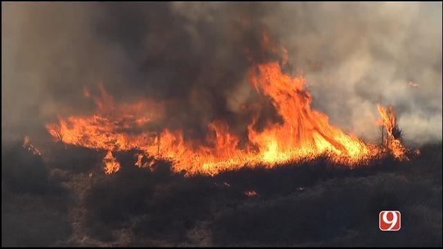 Fire Crews Contain Grass Fire Near McLoud
