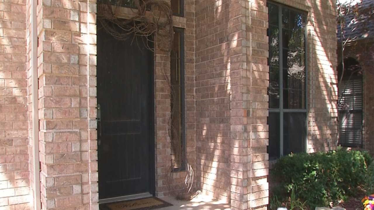 Edmond Woman Comes Face-To-Face With Home Intruder