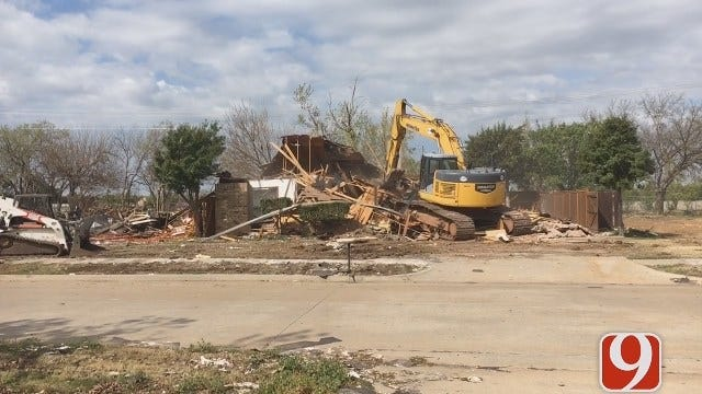 Demo Crews Begin Tearing Down Homes Badly Damaged In Natural Gas Explosion
