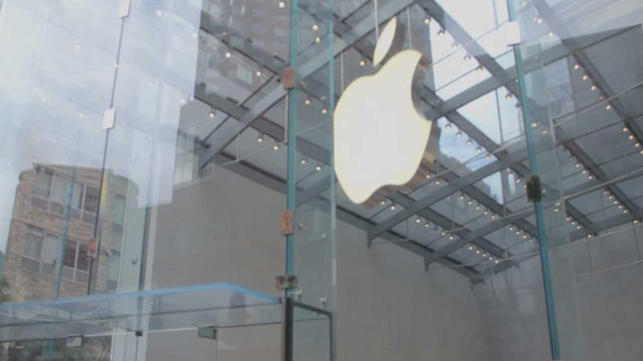 Experts Predict New iPhone's Features