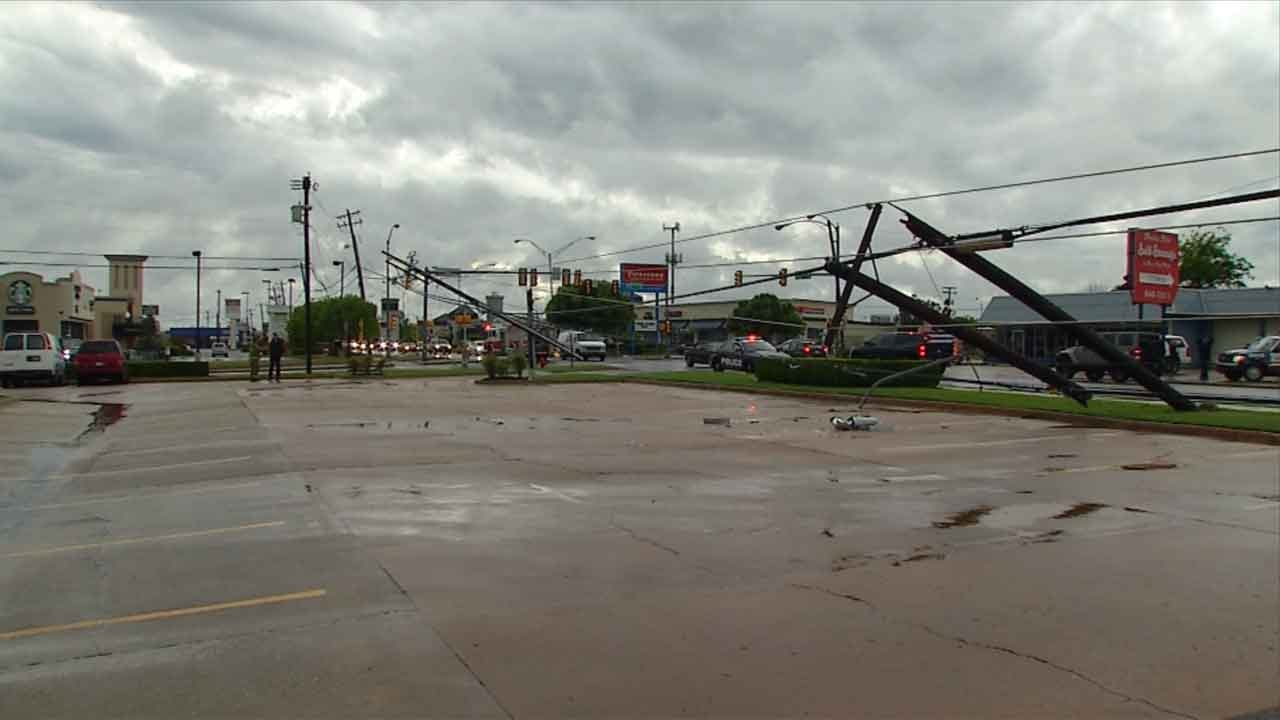 Crews Work To Restore Power To NW OKC Businesses