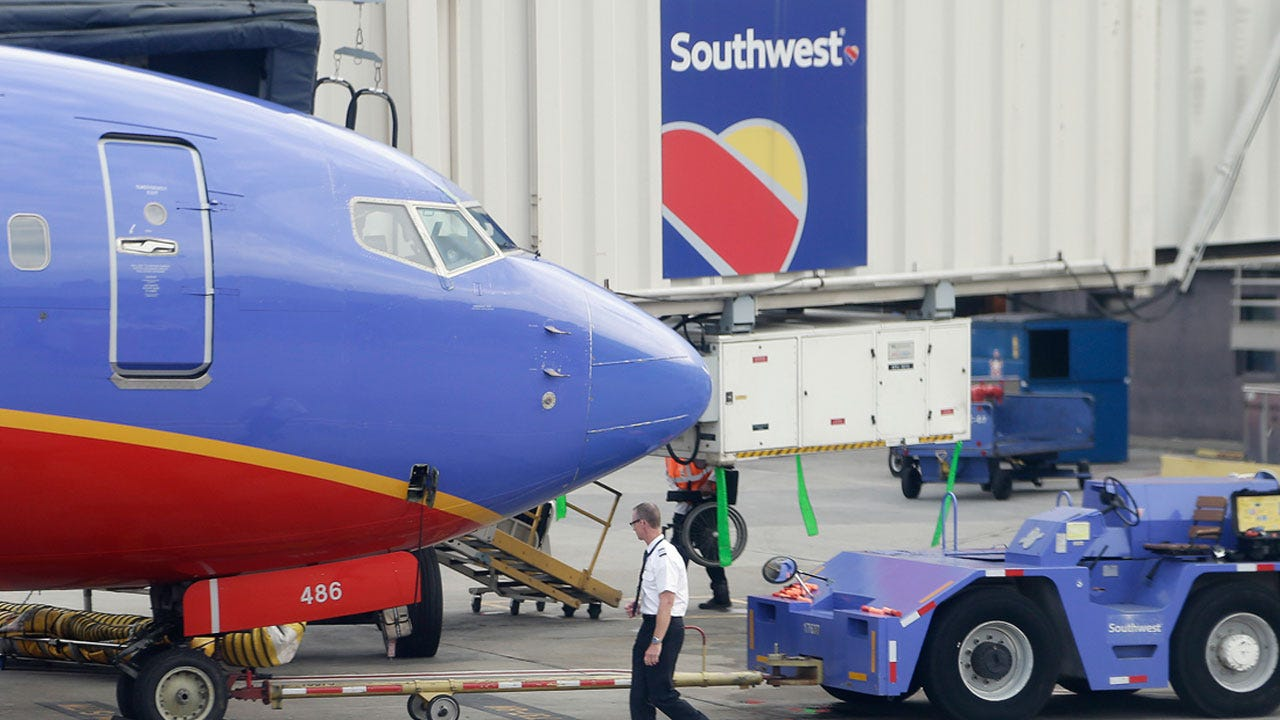Southwest CEO Gary Kelly Urges TSA To Begin Temperature Scans At Checkpoints
