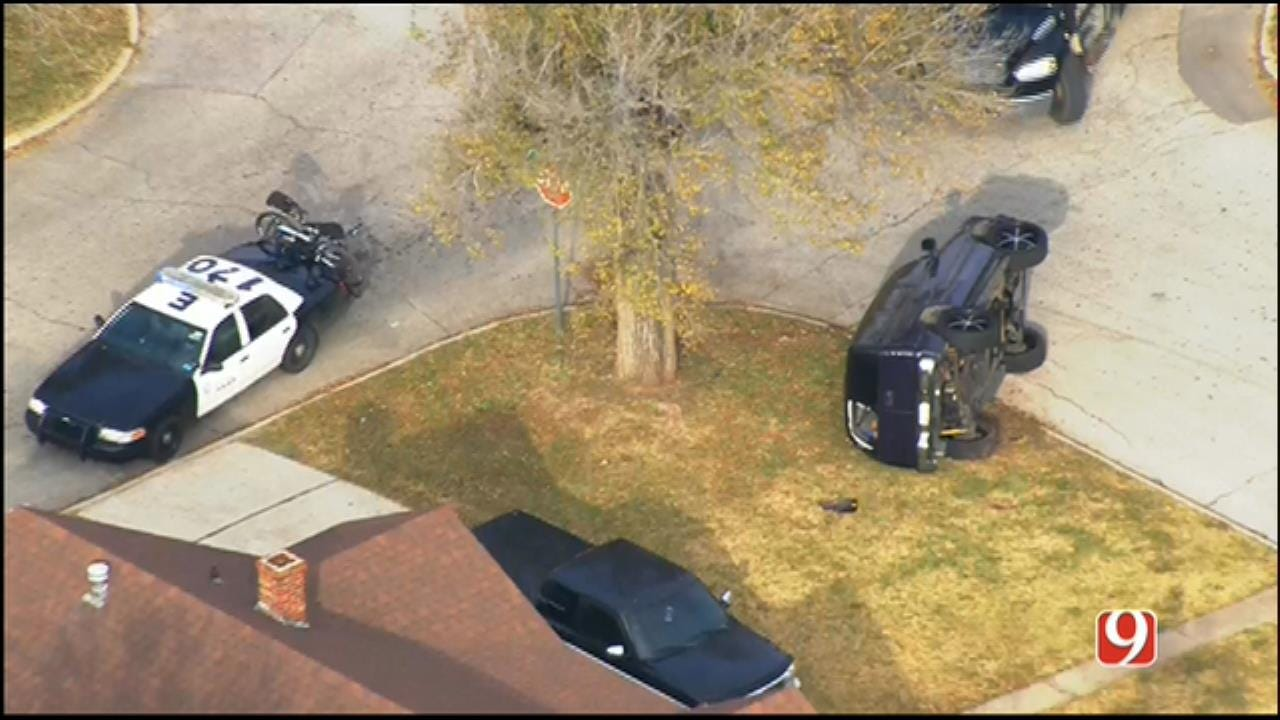Chase Suspect Flees After Wrecking SUV In NE OKC Neighborhood
