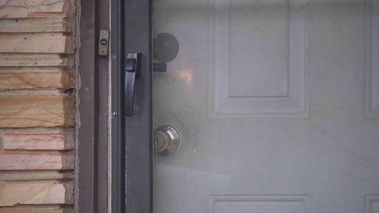 Handgun, Electronics Stolen from OKC Home