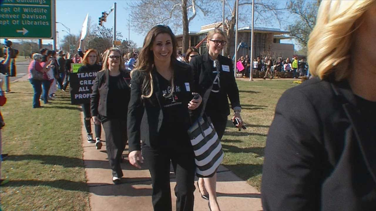 Hundreds Of Female Attorneys At State Capitol In Support Of Teachers