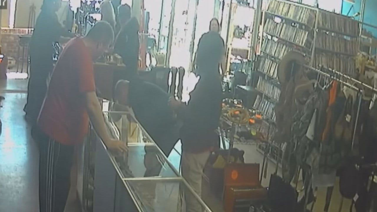 Man Steals Guns From Pawn Shop; Mother Drives Him To Turn Himself In