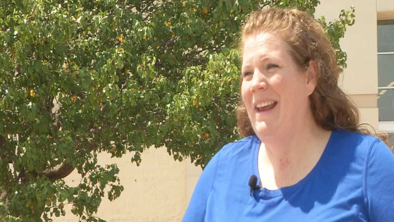Stranger Buys School Supplies For Metro Teacher