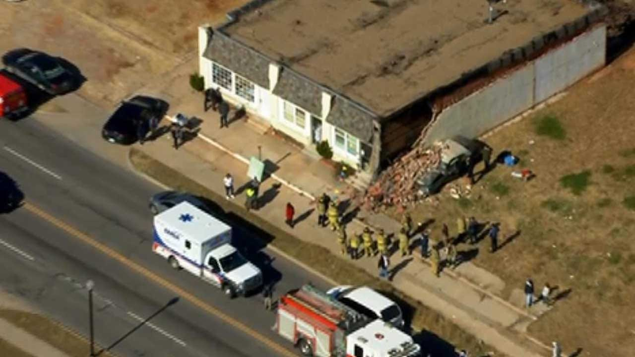Car Crashes Into NE OKC Building