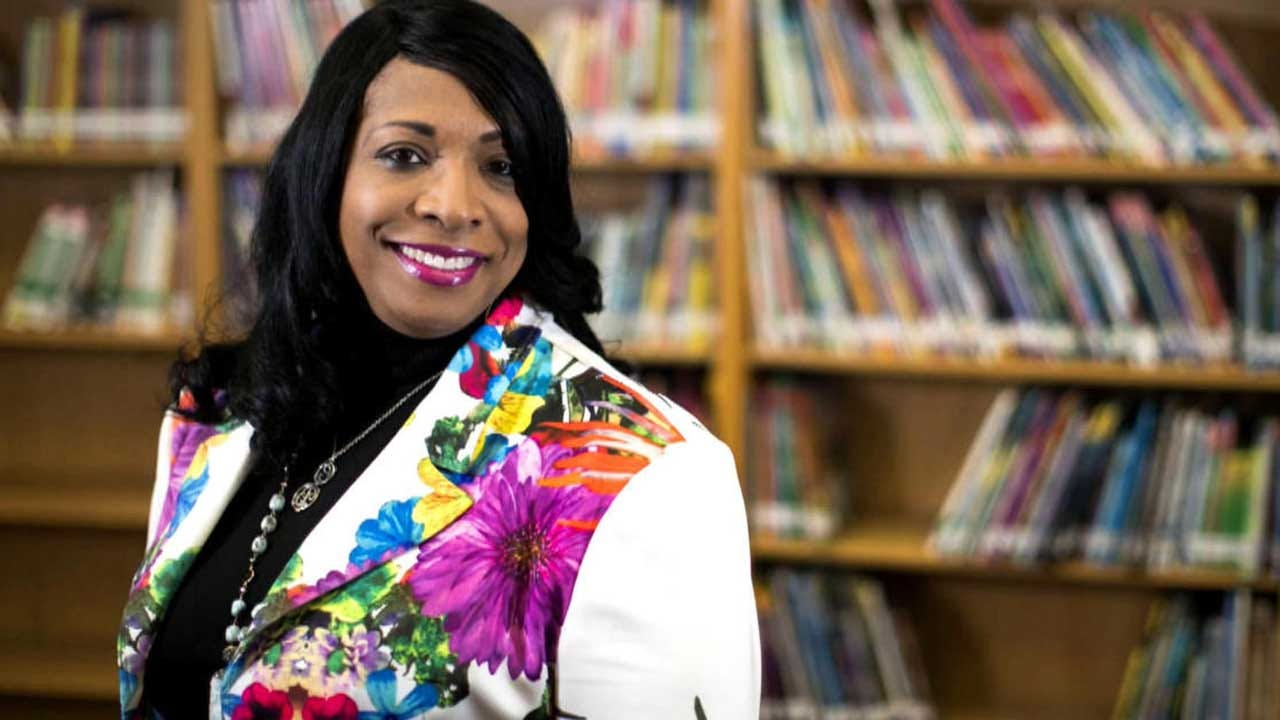 Houston Principal Bans Hair Rollers, Satin Caps And Pajamas – For Parents
