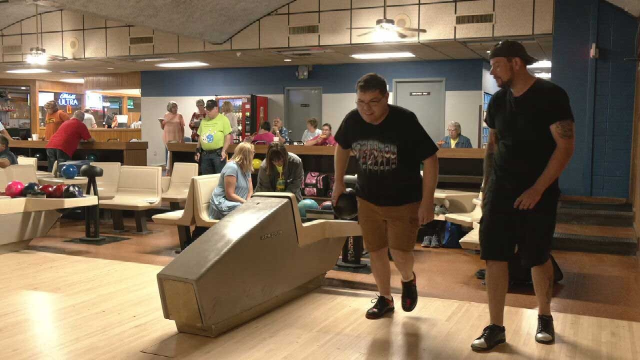 Oklahoma Mom Upcycles Used Trophies For Bowling Team With Special Needs