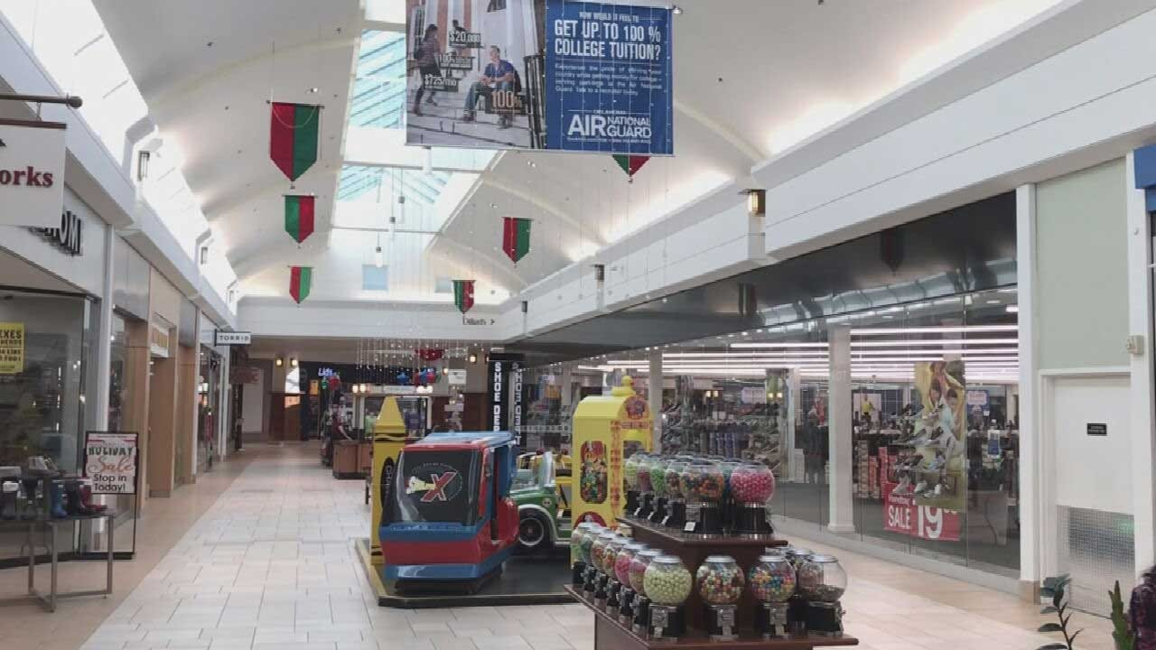 Mall Traffic Declining As Internet Sales Rise