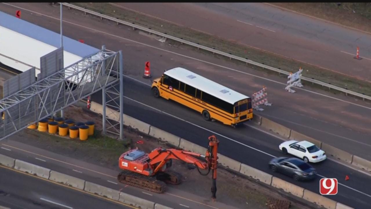 Guthrie School Bus Stalls Out On I-35 In NE OKC