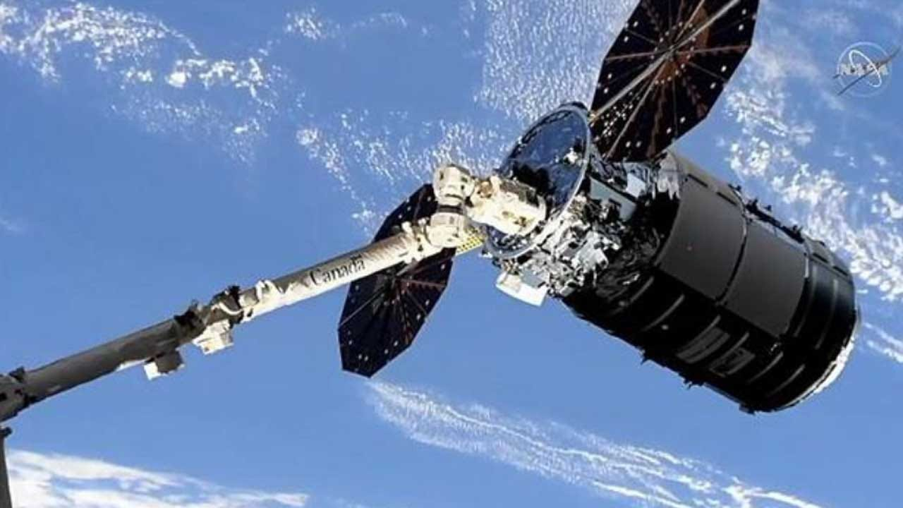 Cargo Ship Reaches Space Station With Cookie-Baking Oven, Other Gear
