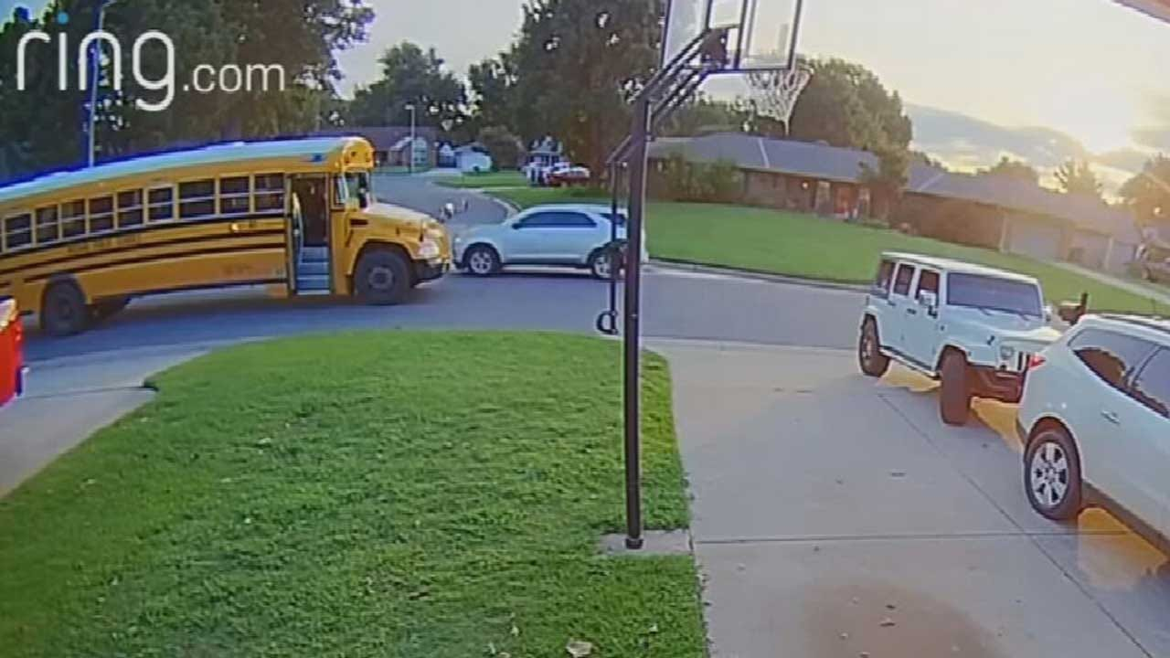 WATCH: Car Caught On Camera Blowing Past Stopped School Bus In Mustang